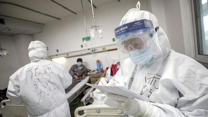 اولین فیلم بیماران مشکوک به کرونا که در بیمارستان قم قرنطینه شده اند